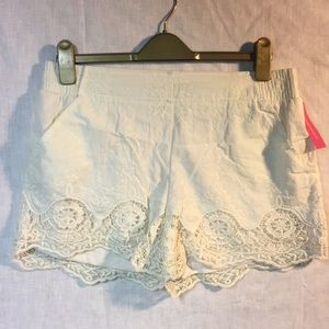 NWT lace shorts